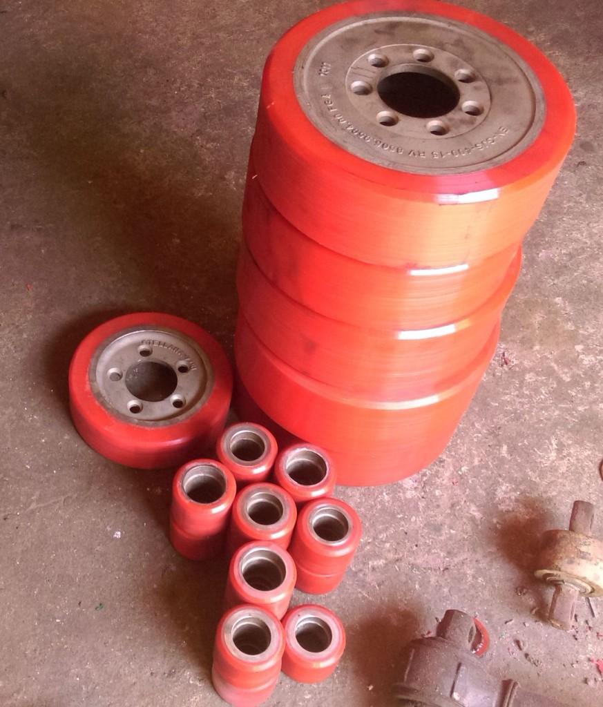 колеса полиуретановые, восстановление колес, полиуретан для складской промышленности