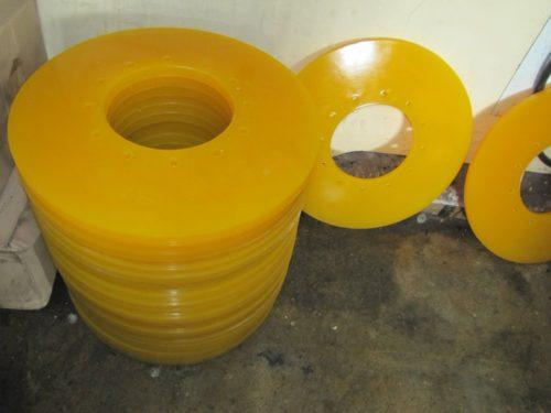 Чистящие и направляющие диски для очистных полиуретановых поршней 1